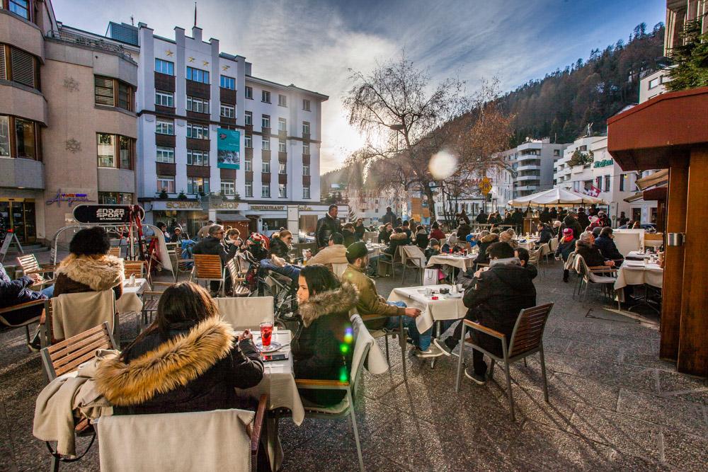 St Moritz Engadin Schweiz Jet Set Winter Cafe Alpen Wintersonne Champagner