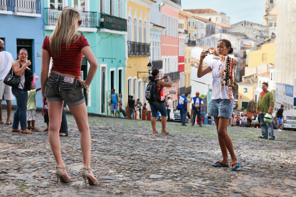 High heels, kopfsteinpflaster, brasilien, altstadt, Pelourinho, salvador de Bahia, Brazil, Fotograf, Barefoot, Barfuß, Barfußlaufen